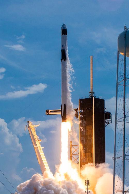 Cohete Falcon 9 y cápsula Crew Dragon de SpaceX - Calendario de Lanzamientos Espaciales
